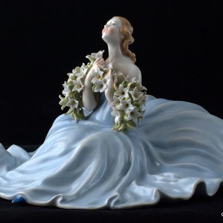 Девушка с гирляндой цветов, Von Schierholz, Германия, 1951-72 гг