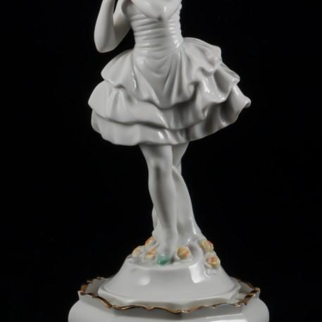 Балерина в белом платье на пьедестале, Volkstedt, Германия, 1915-36 гг