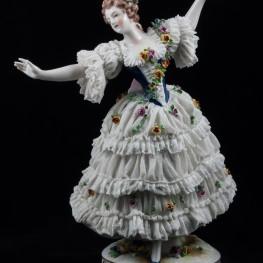 Дама в кружевном платье, Volkstedt, Германия, 1915-36 гг