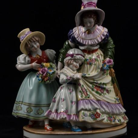 Дама с двумя девочками, Ackermann & Fritze, Германия, 1908-1951 гг