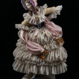 Дама в сиреневом капоре с розовым шарфом, кружевная, Ackermann & Fritze, Германия, 1908-51 гг