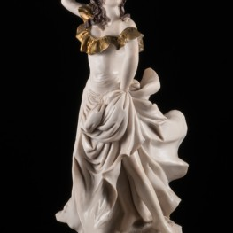Танцовщица с бубном, Capodimonte, Италия, вт. пол. 20 в