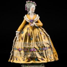 Дама в желтом платье с веером, Carl Thieme, Германия, кон. 19 - нач. 20 вв