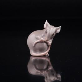Мышь, держащая хвост, Bing & Grondahl, Дания