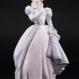 Маскарад, девушка с маской, Royal Worcester, Великобритания