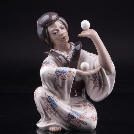 Фигурка девушки Японка жонглирующая шарами, Dahl Jensen, Дания.