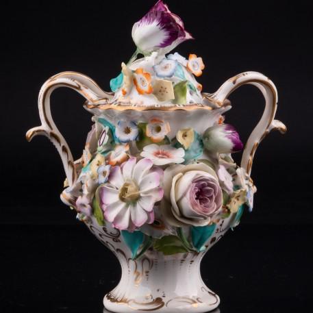 Ваза с цветочным орнаментом и крышкой, Coalport, Великобритания, кон. 19 - нач. 20 вв