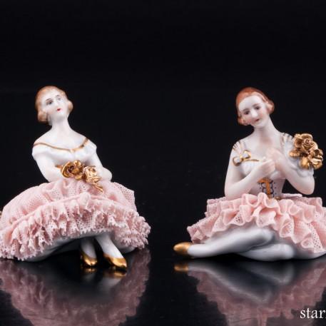 Две сидящих девочки, миниатюра, кружевная, Muller & Co, Германия, нач. 20 в