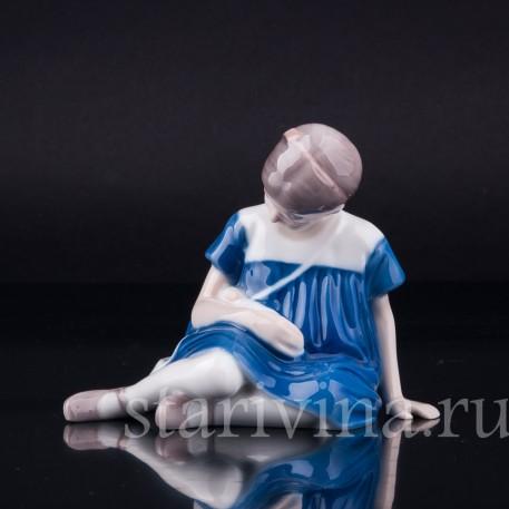Девочка с куклой, Bing & Grondahl, Дания, 1940-50 гг