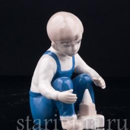 Мальчик с кубиками , Grafenthal, Германия, вт. пол. 20 в