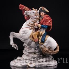 Наполеон Бонапарт на перевале Сен-Бернар, Capodimonte, Италия, вт. пол. 20 в