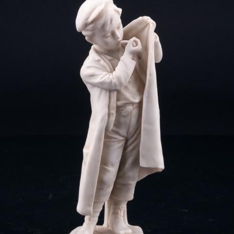 Мальчик, прикуривающий на ветру, Unger, Schneider & Cie, Германия, пер. пол. 20 в
