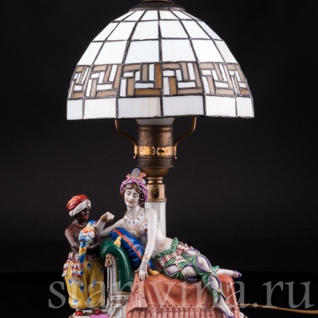 Одалиска и арапчонок с попугаем, лампа, Muller & Co, Германия, нач. 20 в