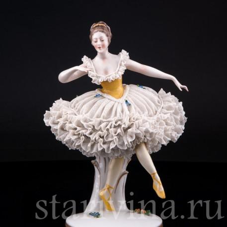 Танцующая девушка, кружевная, Ackermann & Fritze, Германия, до 1945 г