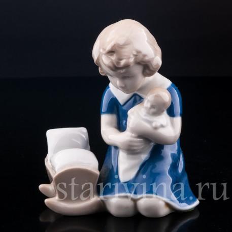 Девочка с куклой, Grafenthal, Германия, вт. пол. 20 в