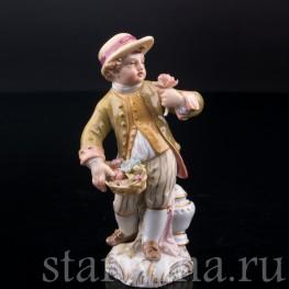 Мальчик с корзиной цветов, Konigliche Porzellan-Manufaktur (KPM), Германия, 1907 г