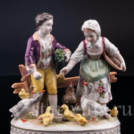 Дети, кормящие домашних птиц, Volkstedt, Германия, до 1935 г.