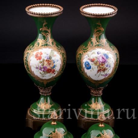 Две зеленые вазы с крышками, Франция, 20 в.