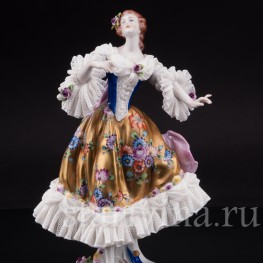 Статуэтка из кружевного фарфора Танцующая девушка, Volkstedt, Германия, после 1935 г.