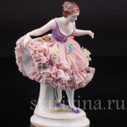 Фигурка из кружевного фарфора Танцующая девушка, Muller & Co, Германия, нач. 20 в.
