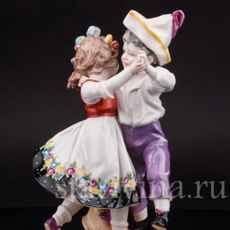 Фарфоровая фигурка Танцующие дети, Volkstedt, Германия, кон. 19 в.