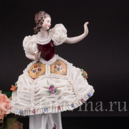 Фарфоровая статуэтка Девушка, кружевная, Mitterteich, Германия, вт. пол. 20 в.