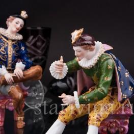 Антикварная фарфоровая композиция Кавалеры, играющие в бильбоке, Франция, кон. 19 - нач. 20 вв.