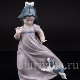 Фарфоровая статуэтка Девочка со щенком, NAO, Lladro, Испания, вт. пол. 20 в.