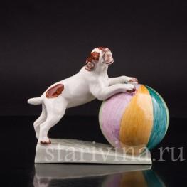 Фаянсовая фигурка Собака с мячиком, von Marcell GOLDSCHEIDER With Myott Son & Co, Англия,, 1940-60 гг.