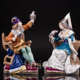 Парные фарфоровые статуэтки Пара с соколами, Dressel, Kister & Cie, Германия, 1907-20 гг.