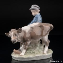 Мальчик с бычком, Royal Copenhagen, Дания, 1969-74 гг