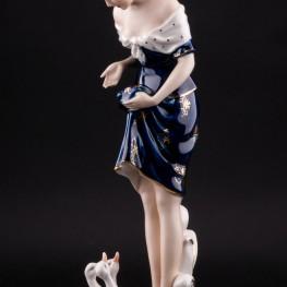Девушка с утятами, Royal Dux, Чехия, нач. 20 в